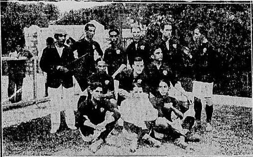 Foto do Jornal do Brasil publicada no dia seguinte da partida, o primeiro registro do futebol do Flamengo vestido com a camisa que seria eternizada.